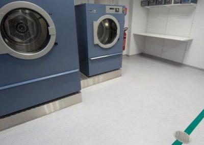 ห้องล็อกเกอร์ ห้องแต่งตัว ห้องอาบน้ำ และห้องซักผ้า Locker / Changing / Shower / Laundry Room